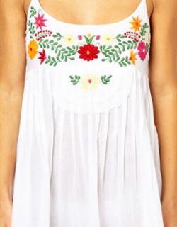 Vestido de playa de algodón con flores bordadas de en