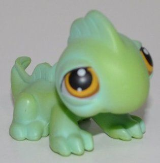 Iguana #97 (Green, Orange/Brown eyes, black eyeliner, bright lime green body)   Littlest Pet Shop (Retired) Collector Toy   LPS Collectible Replacement Single Figure   Loose (OOP Out of Package & Print): Everything Else