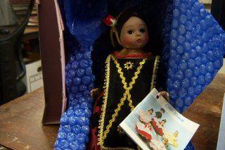 "Madame Alexander Doll ""Indonesia"" 8 'Inch Doll #579"