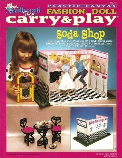 Plastic Canvas Fashion Doll Carry & Play   Soda Shop (The Needlecraft Shop #943745): Sandra Miller Maxfield, Fran Rohus: Books