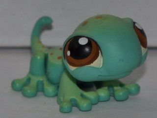 Gecko #111 (Smooth Green, Brown Eyes, Brown) Littlest Pet Shop (Retired) Collector Toy   LPS Collectible Replacement Single Figure   Loose (OOP Out of Package & Print): Everything Else