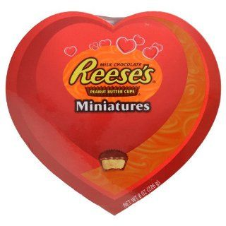 VALENTINES DAY CHOCOLATE CANDY HEART BOX REESES PEANUT BUTTER CUPS MINIS 8 OZ  Chocolate Assortments And Samplers  Grocery & Gourmet Food