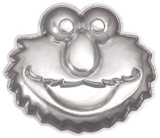 Wilton Elmo Face Cake Pan Kitchen & Dining