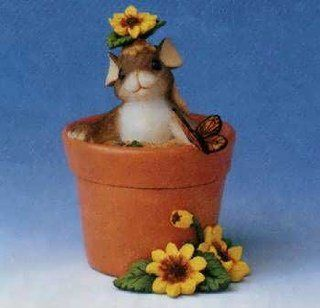 Charming Tails Flower Pot Surprise 88/112   Collectible Figurines