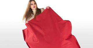 The Piggy Bag, un pouf XXL rouge