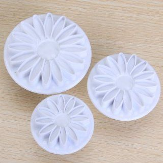 3pcs Sunflower Gerbera Daisy Fondant Cake Cutter Plunger Ideal for use with fondant cakes, sugar paste, petal paste, marzipan DIY cooking or craft clays   Novelty Cake Pans