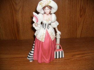 Avon 1994 Mrs Albee Award Figurine   Collectible Figurines