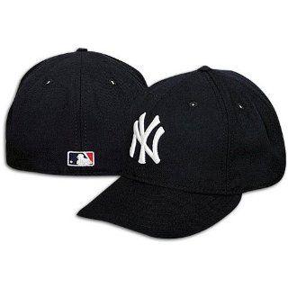 New York Yankees Cap   New Era 5950 Game Cap (6 5/8)  Sports Fan Baseball Caps  Sports & Outdoors