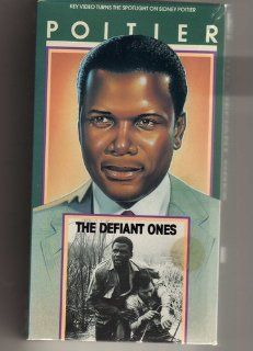 The Defiant Ones [VHS]: Tony Curtis, Sidney Poitier, Theodore Bikel, Charles McGraw, Lon Chaney Jr., King Donovan, Claude Akins, Lawrence Dobkin, Whit Bissell, Carl 'Alfalfa' Switzer, Kevin Coughlin, Cara Williams, Sam Leavitt, Stanley Kramer, Fred
